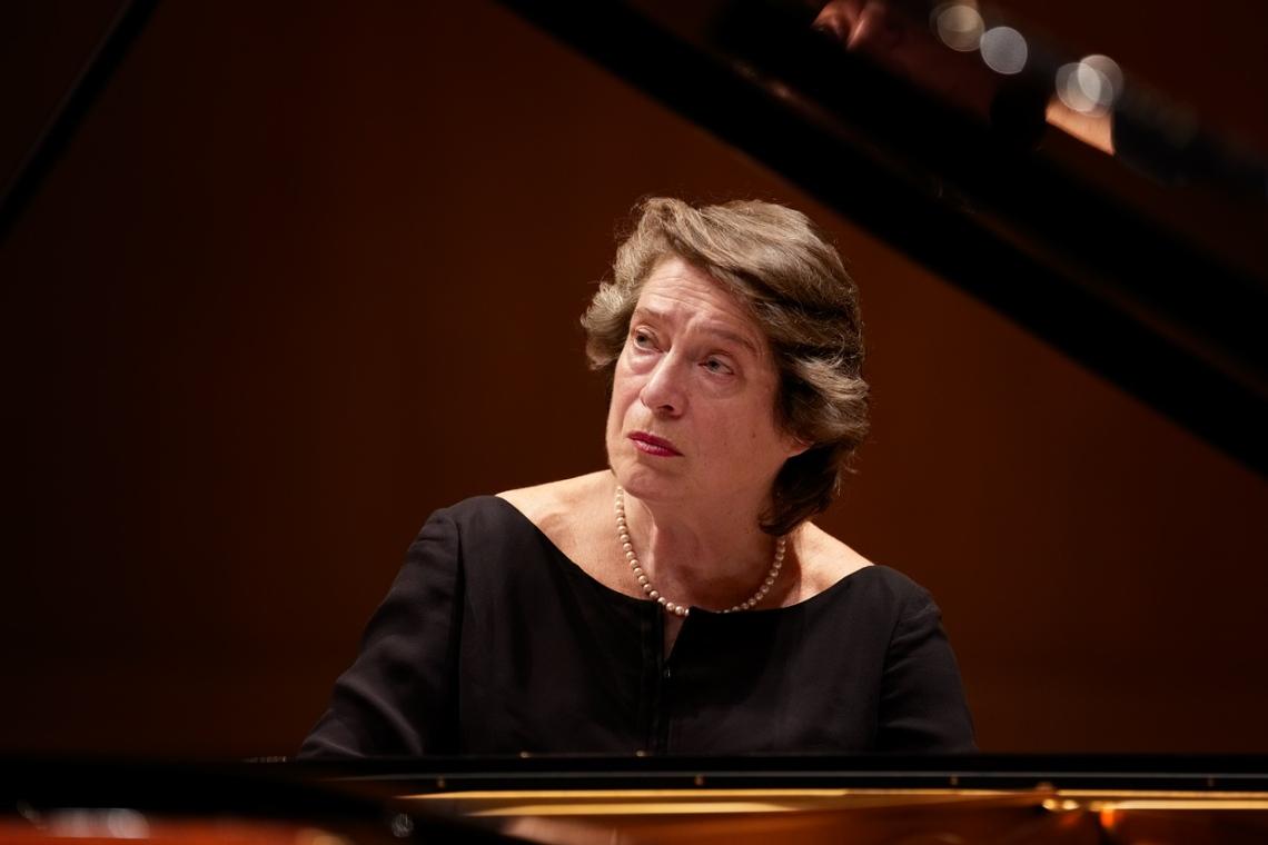 Elisabeth Leonskaja, Piano