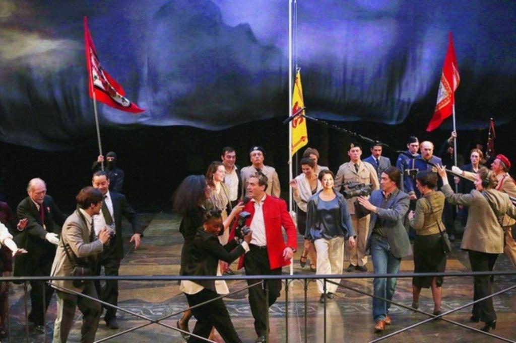 Macbeth-plein-de-desir-et-de-fureur-au-Theatre-du-Soleil_article_popin