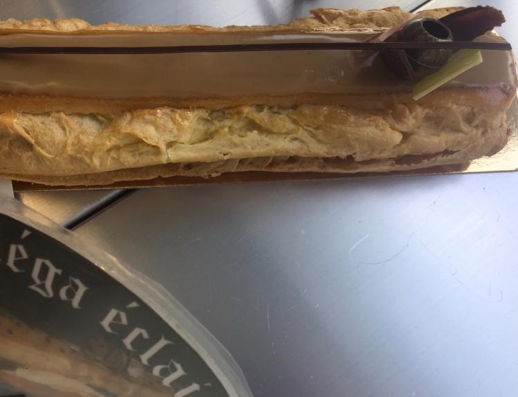 croissant show - 3